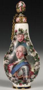 Capodimonte scent flask attributed to Sigmondo Fischer
